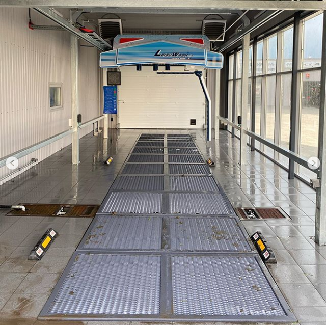 Robot car wash in Tyumen 6